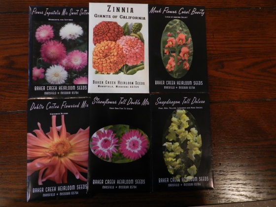 From top left: Flowers Imperialis Mix Sweet Suttan, Zinnia Giants of California, Mask Flower Coral Beauty, Dahlia Cactus Flowered Mix, Strawflower Tall Double Mix, Snapdragon Tall Deluxe